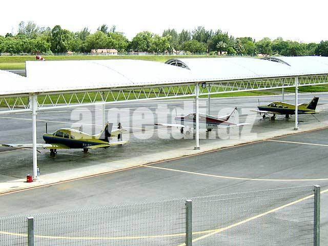 Aircraft_parking_apron