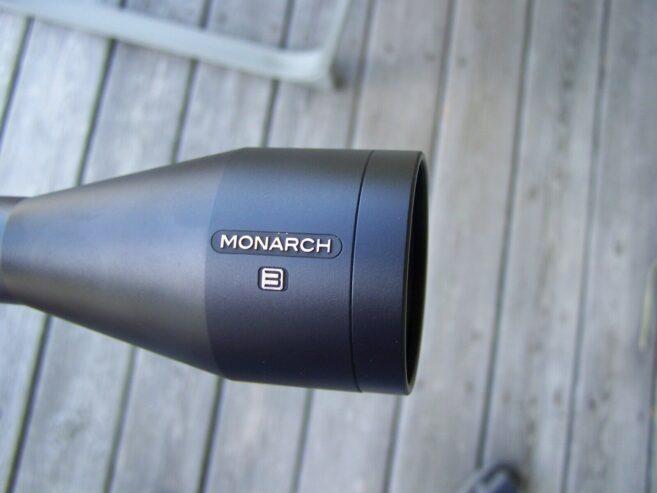 Nikon-Monarch-FIELDSCOPE-82ED4