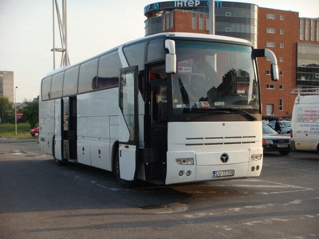 1200px-Mercedes-Benz_O403