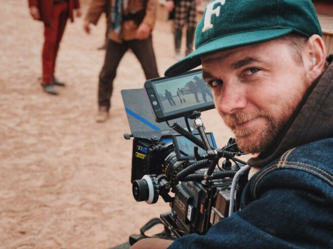 4_Must-Have_Accessories_for_Shooting_Video